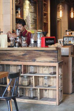 coffeeshop-cafe-semarang-kofinary-wisata-kuliner-bulekulineran-bule-indonesia-santai-relax-liburan-enak-banget-7