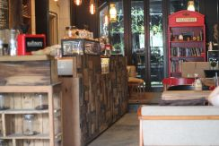 coffeeshop-cafe-semarang-kofinary-wisata-kuliner-bulekulineran-bule-indonesia-santai-relax-liburan-enak-banget-8